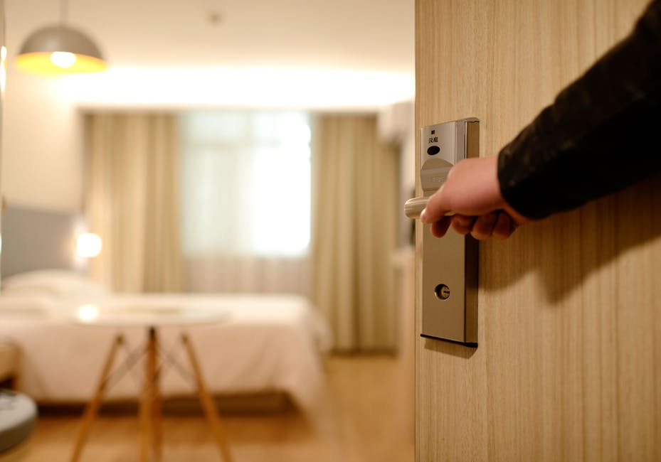 Interpreting services for hotels and lodging business